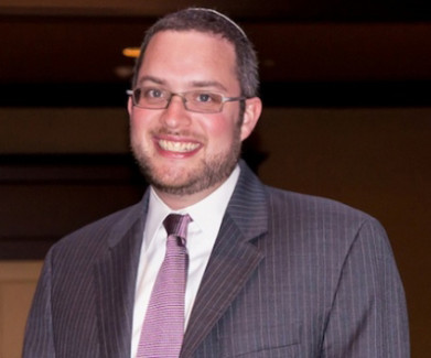 Rabbi Jason Fruithandler headshot