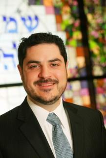 Rabbi Noah Zvi Farkas headshot