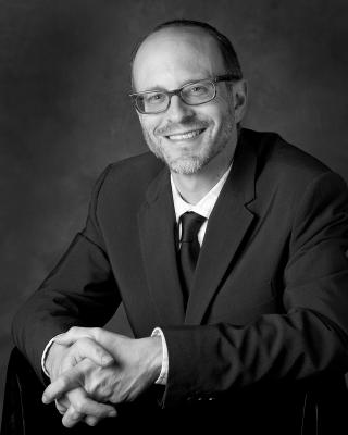 Rabbi Elliott Tepperman headshot